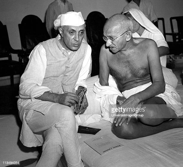 Ghandi discussing the Quit India concept with Nehru 1942