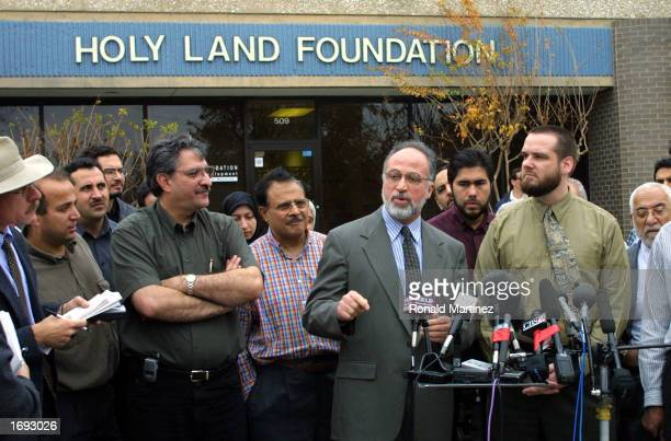 Ghassan Elashi CEO of the Holy Land Foundation speaks to the news media during a news conference December 5 2001 in Richardson Texas The Holy Land...