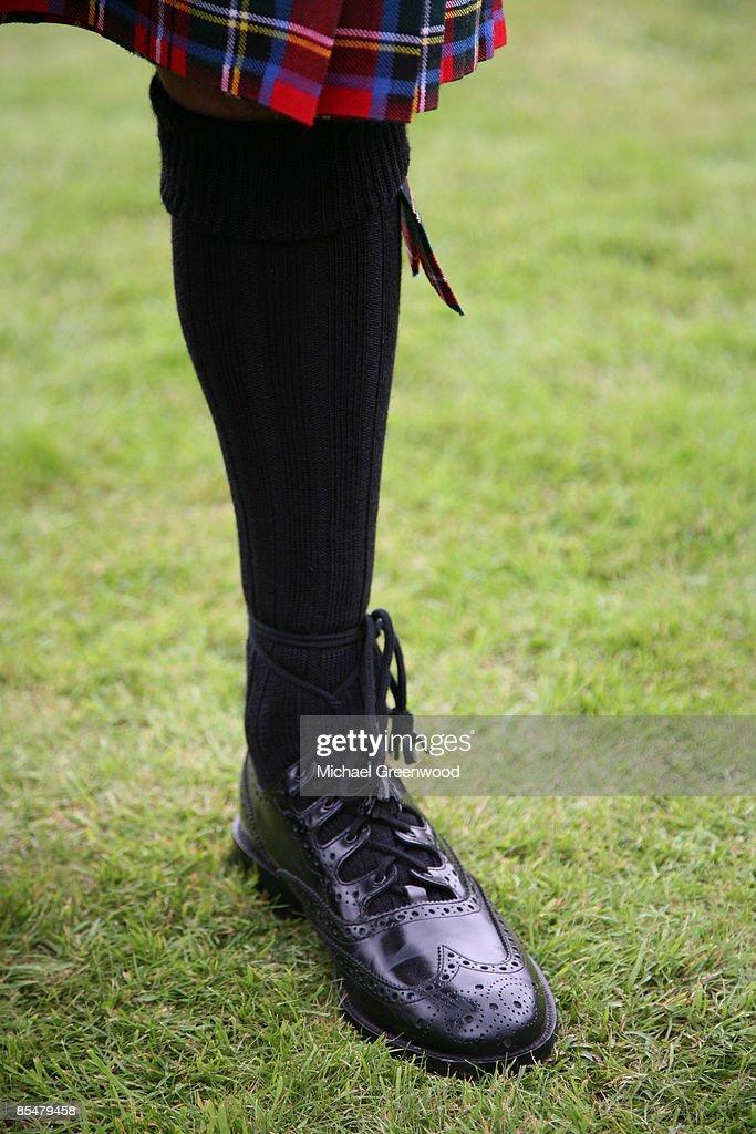 Ghillie Brogues footwear worn with kilt : Stock-Foto
