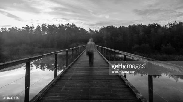 ghost bridge - william mevissen fotografías e imágenes de stock
