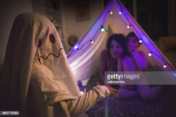 fantasma na tenda - fantasma - fotografias e filmes do acervo