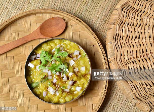 ghugni...green peas curry!!! - north indian food stock photos and pictures