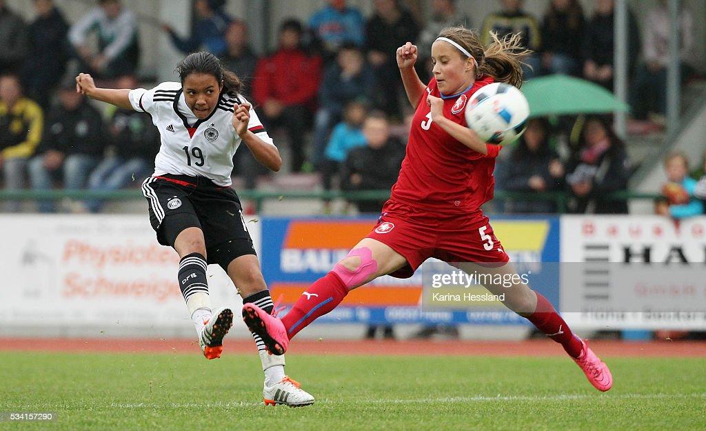 U15 Girl's Germany v U15 Girl's Czech Republic - International Friendly : News Photo