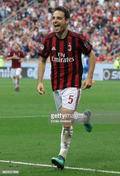 Giacomo Bonaventura of AC Milan celebrates his goal during the serie A match between AC Milan and ACF Fiorentina at Stadio Giuseppe Meazza on May 20...