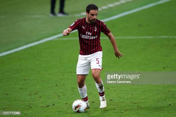 Giacomo Bonaventura of Ac Milan in action during the Serie A match between Ac Milan and Atalanta Bergamasca Calcio. The match end in a tie 1-1.