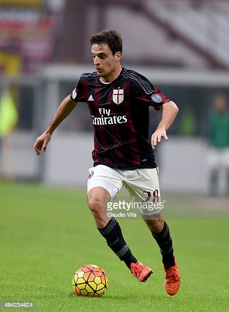 Giacomo Bonaventura of AC Milan in action during the Serie A match between AC Milan and US Sassuolo Calcio at Stadio Giuseppe Meazza on October 25...