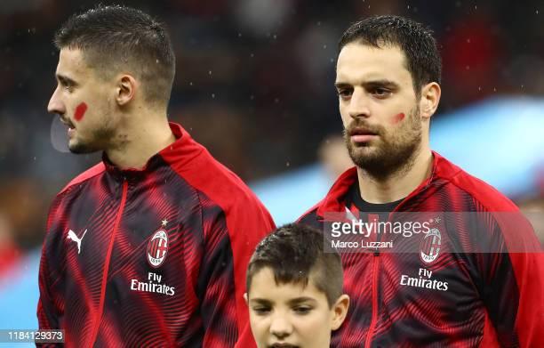 Giacomo Bonaventura of AC Milan show the red mark on the face to support the campaign Un Rosso Alla Violenza #unrossoallaviolenza before the Serie A...