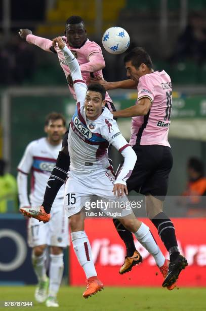 Giacomo Caccin of Cittadella and Carlos Embalo and Ivaylo Chochev of Palermo jump for a header during the Serie B match between US Citta' di Palermo...