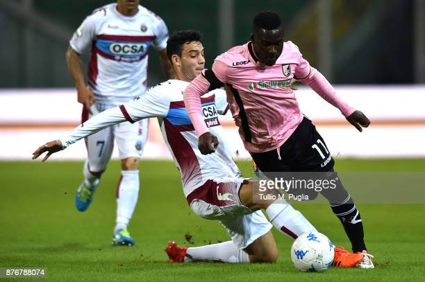 Giacomo Caccin of Cittadella and Carlos Embalo of Palermo compete for the ball during the Serie B match between US Citta' di Palermo and Cittadella...