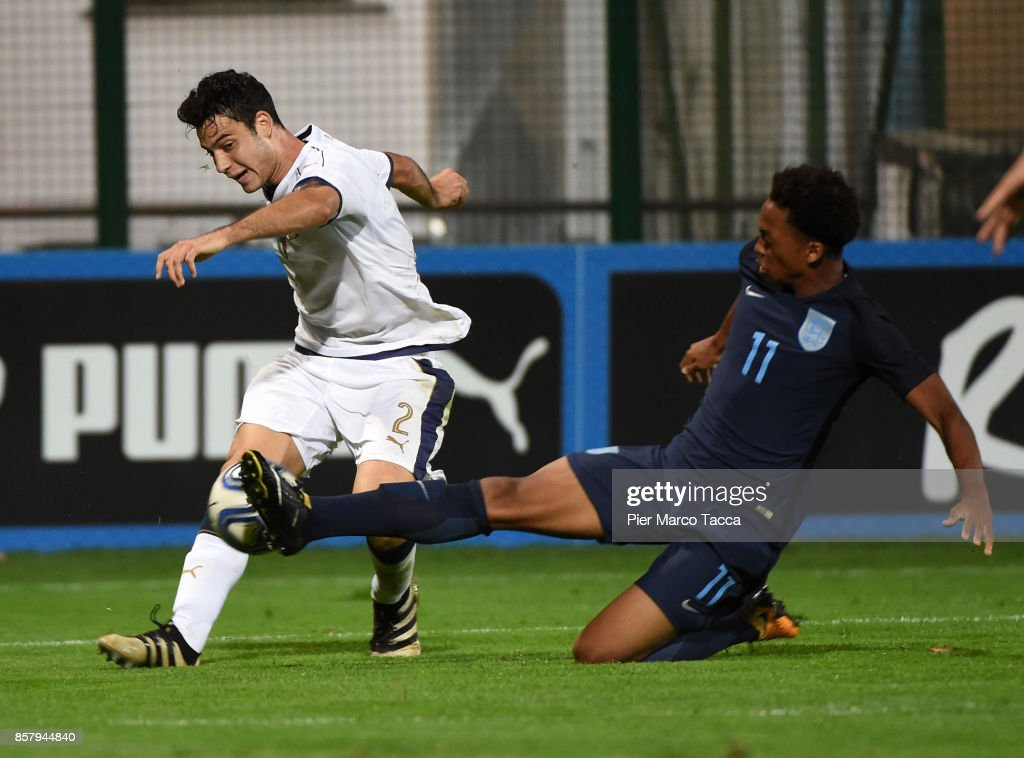 Giacomo Caccin of Italy U20 competes for the ball with Chris Willock of England U20 during the 8 Nations Tournament match between Italy U20 and England U20 on October 5, 2017 in Gorgonzola, Italy.