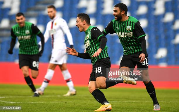 Giacomo Raspadori of Sassuolo celebrates after scoring their team's second goal with Gregoire Defrel of Sassuolo during the Serie A match between US...