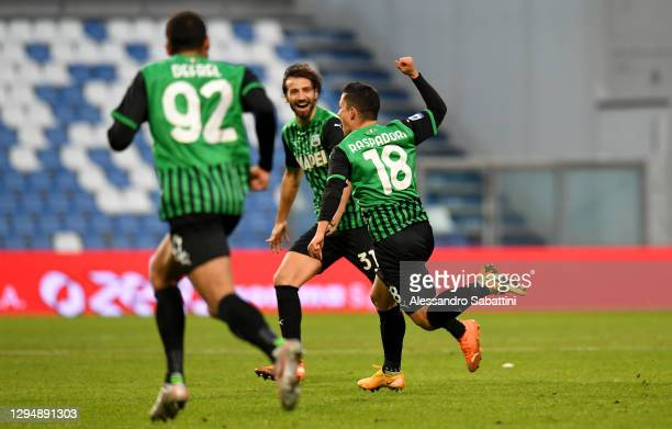 Giacomo Raspadori of Sassuolo celebrates after scoring their team's second goal during the Serie A match between US Sassuolo and Genoa CFC at Mapei...