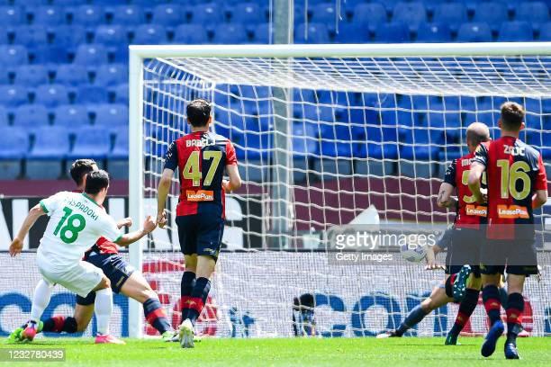 Giacomo Raspadori of Sassuolo scores a goal during the Serie A match between Genoa CFC and US Sassuolo at Stadio Luigi Ferraris on May 9, 2021 in...