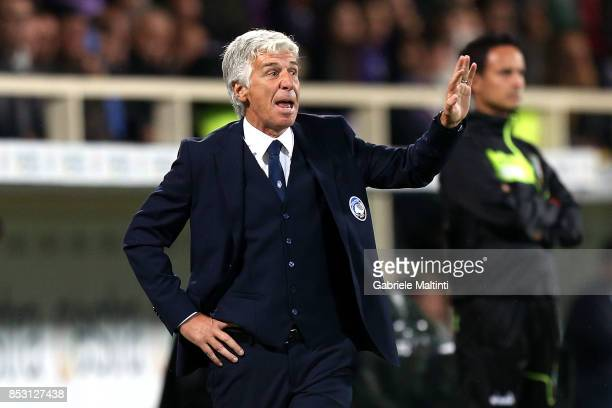 Giampiero Gasperini manager of Atalanta BC gives instructions during the Serie A match between FC Crotone and Benevento Calcio at Stadio Artemio...
