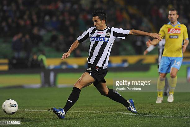 Giampiero Pinzi of Udinese Calcio scores the opening goal of the Serie A match between Udinese Calcio and SSC Napoli at Stadio Friuli on March 18,...