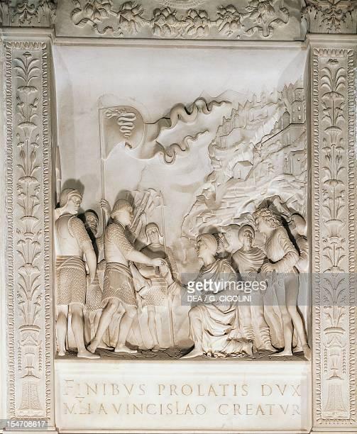 Gian Galeazzo Visconti appointed by Duke Wenceslaus, by Briosco Benedict School and Della Porta, detail of the tomb of Gian Galeazzo Visconti . Right...