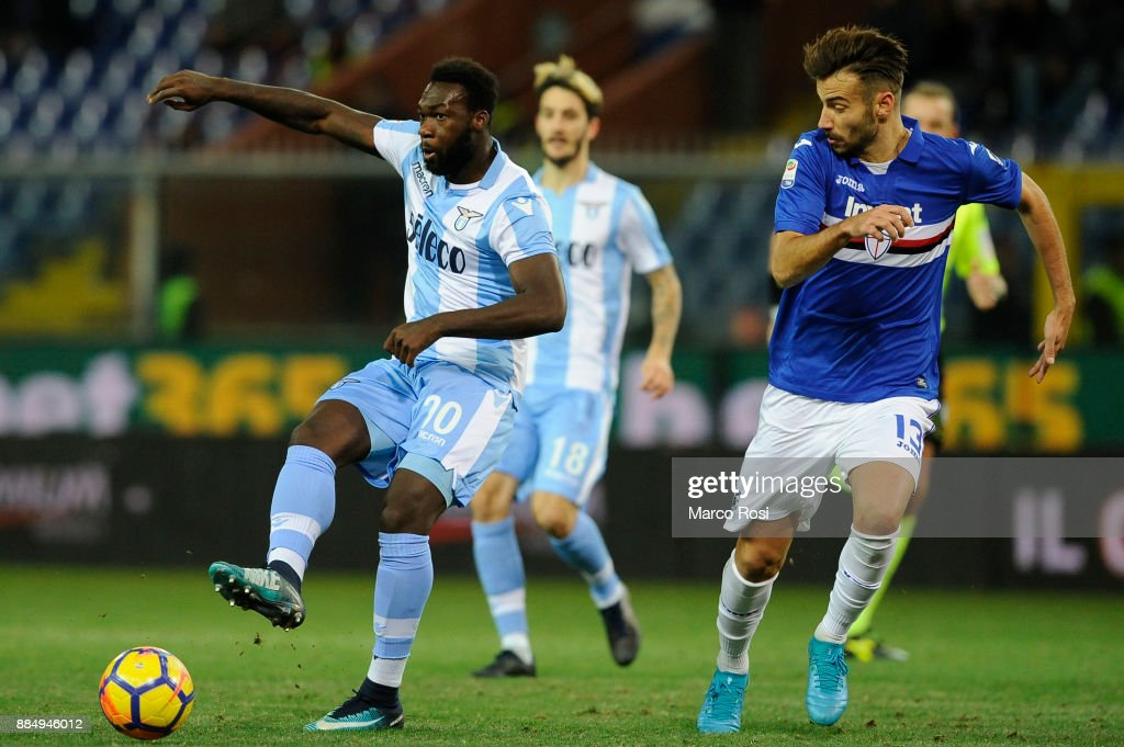 Gian Marco Ferrari of UC Sampdoria compete for the ball with Felipe Caicedo of SS Lazio during the Serie A match between UC Sampdoria and SS Lazio at Stadio Luigi Ferraris on December 3, 2017 in Genoa, Italy.