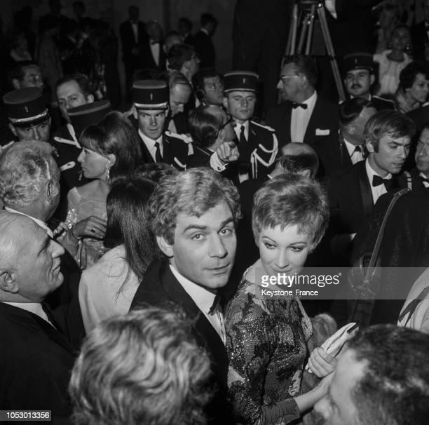 Gian Maria Volontè et Carla Gravina à Cannes France en mai 1967