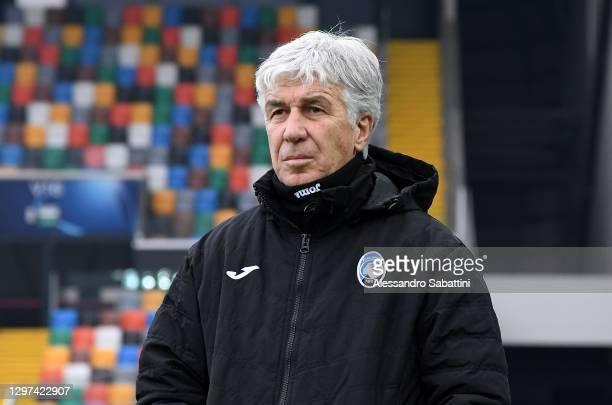 Gian Piero Gasperini head coach Italy of Atalanta BC looks on during the Serie A match between Udinese Calcio and Atalanta BC at Dacia Arena on...
