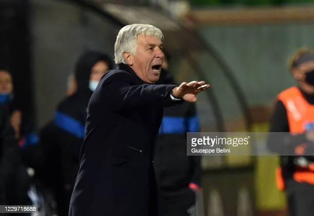 Gian Piero Gasperini head coach of Atalanta BC gestures during the Serie A match between Spezia Calcio and Atalanta BC at Stadio Dino Manuzzi on...