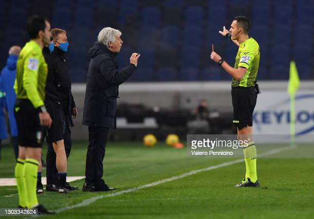 Gian Piero Gasperini, Head Coach of Atalanta B.C. Is shown a red card by Referee Marco Di Bello during the Serie A match between Atalanta BC and SSC...