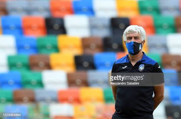 Gian Piero Gasperini head coach of Atalanta BC looks on before the Serie A match between Udinese Calcio and Atalanta BC at Stadio Friuli on June 28...