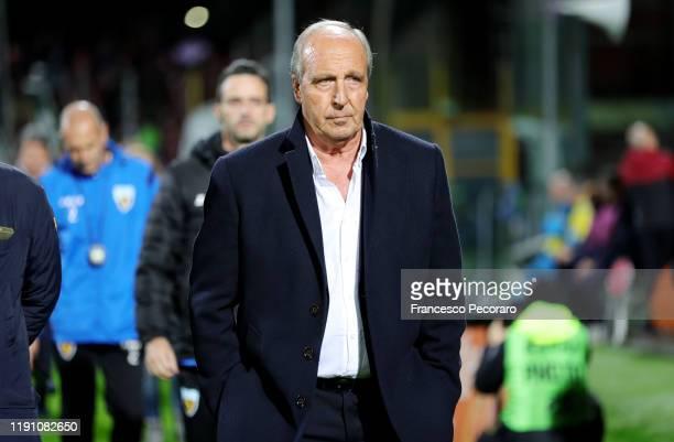 Gian Piero Ventura coach of US Salernitana looks on before the Serie B match between US Salernitana and Ascoli Calcio on November 30, 2019 in...