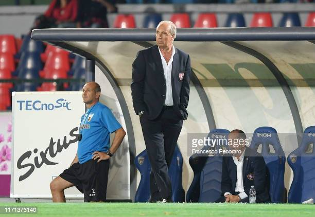 Gian Piero Ventura of US Salernitana looks on during the Serie B match between Cosenza and Salernitana at Stadio San Vito Maru on August 31, 2019 in...
