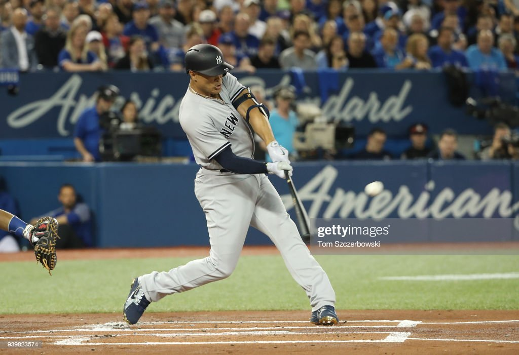 New York Yankees v Toronto Blue Jays : Fotografía de noticias