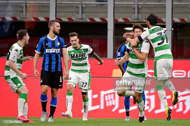 Giangiacomo Magnani of Sassuolo celebrates 3-3 with Gian Marco Ferrari of Sassuolo during the Italian Serie A match between Internazionale v Sassuolo...