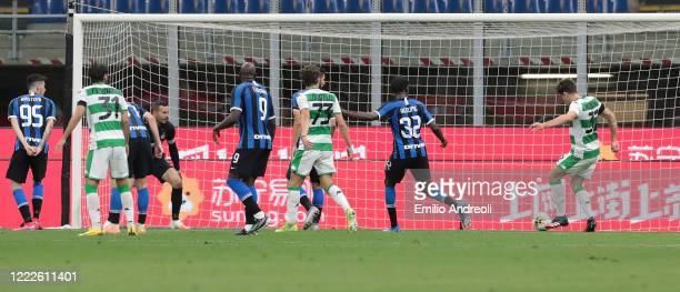 Giangiacomo Magnani of US Sassuolo scores his goal during the Serie A match between FC Internazionale and US Sassuolo at Stadio Giuseppe Meazza on...