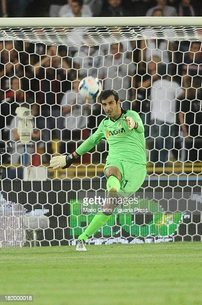Gianluca Curci goalkeeper of Bologna FC in action during the Serie A match between Bologna and AC Milan at Stadio Renato Dall'Ara on September 25...