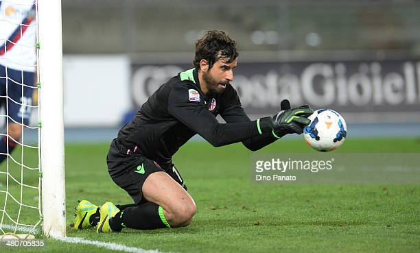 Gianluca Curci goalkeeper of Bologna FC in action during the Serie A match between AC Chievo Verona and Bologna FC at Stadio Marc'Antonio Bentegodi...