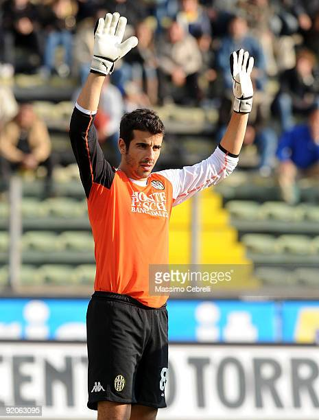 Gianluca Curci of AC Siena gestures during the Serie A match between Parma FC and AC Siena at Stadio Ennio Tardini on October 18 2009 in Parma Italy