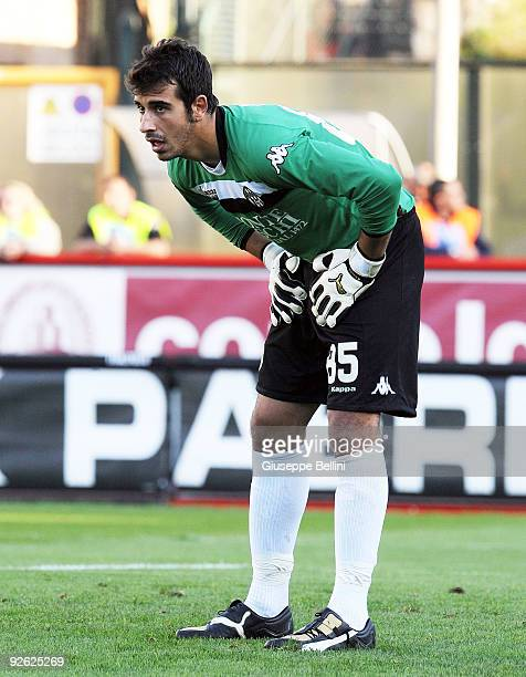 Gianluca Curci of AC Siena in action during the Serie A match between AC Siena and SS Lazio at Artemio Franchi Mps Arena Stadium on November 1 2009...