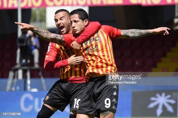 Gianluca Lapadula of Benevento Calcio celebrates after scoring the 1-1 goal during the Serie A match between Benevento Calcio and Cagliari Calcio at...
