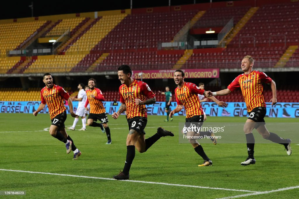 Benevento Calcio v Torino FC - Serie A : ニュース写真
