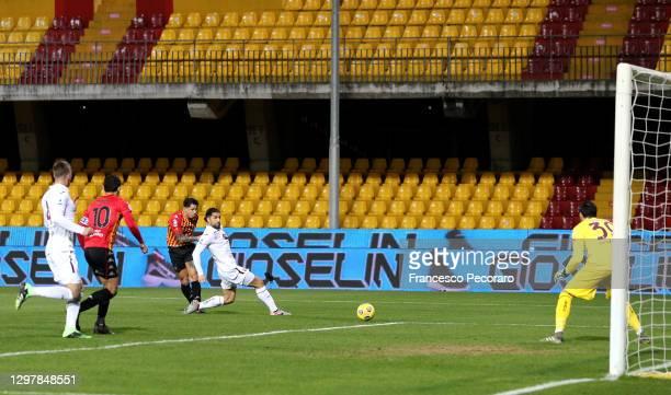 Gianluca Lapadula of Benevento scores the 2nd Benevento goal during the Serie A match between Benevento Calcio and Torino FC at Stadio Ciro Vigorito...