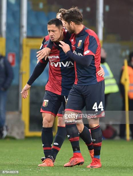 Gianluca Lapadula of Genoa celebrates after score 11 during the Serie A match between Genoa CFC and AS Roma at Stadio Luigi Ferraris on November 26...