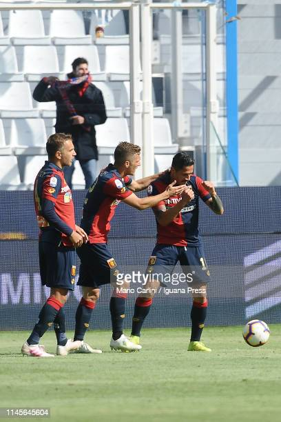 Gianluca Lapadula of Genoa CFC celebrates after scoring a goal during the Serie A match between SPAL and Genoa CFC at Stadio Paolo Mazza on April 28...