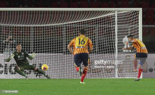 Gianluca Lapadula of Lecce scores his tem's fisrt goal with penalty during the Serie A match between US Lecce and Cagliari Calcio at Stadio Via del...