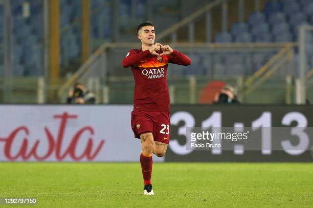 Gianluca Mancini of Roma celebrates after scoring their sides third goal during the Serie A match between AS Roma and Cagliari Calcio at Stadio...