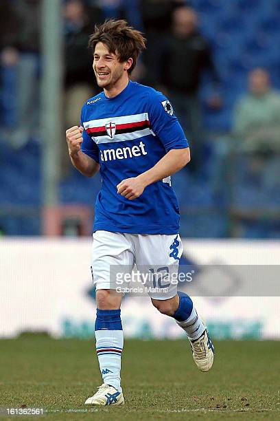 Gianluca Sansone of UC Sampdoria celebrates after scoring his team's second goal to equalise during the Serie A match between UC Sampdoria and AS...