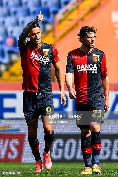 Gianluca Scamacca of Genoa celebrates with his team-mate Mattia Destro after scoring a goal during the Serie A match between Genoa CFC and Spezia...