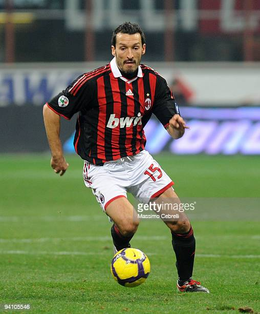 Gianluca Zambrotta of AC Milan in action during the Serie A match between AC Milan and UC Sampdoria at Stadio Giuseppe Meazza on December 5 2009 in...