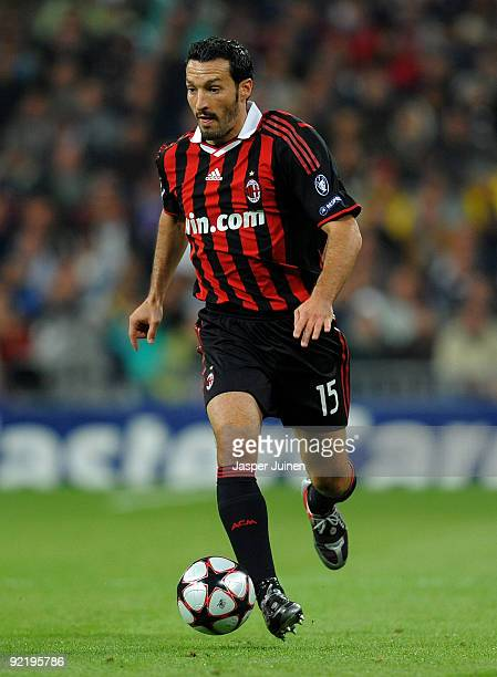 Gianluca Zambrotta of AC Milan runs with the ball during the Champions League group C match between Real Madrid and AC Milan at the Estadio Santiago...