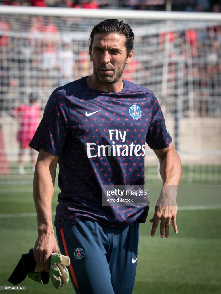 Nimes Olympique v Paris Saint-Germain - Ligue 1 : News Photo