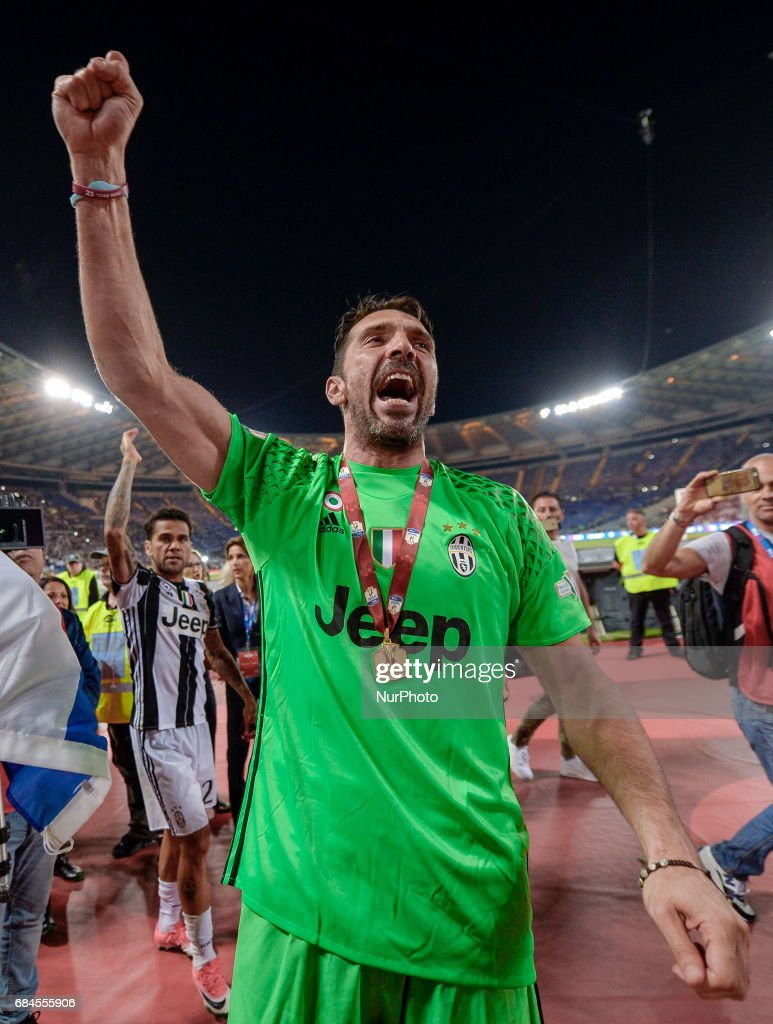 b6653d94d Gianluigi Buffon celebrates after winning the TIM Cup Final match ...