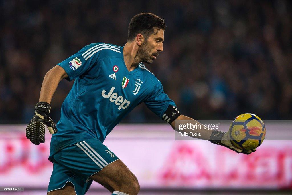 SSC Napoli v Juventus - Serie A : News Photo