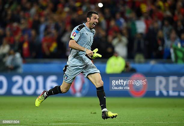 Gianluigi Buffon of Italy celebrates his team's 20 win after the UEFA EURO 2016 Group E match between Belgium and Italy at Stade des Lumieres on June...
